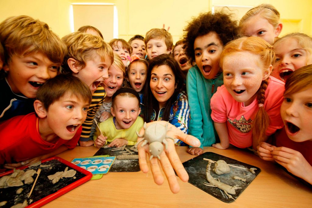Repro Free: 05/10/2016 Stephanie Preissner, Writer of Can't Cope, Won't Cope stopped by St Columba's School, North Strand, Dublin to launch the Arts Council and ESRI study on children and the arts and the impact of arts and cultural participation on Irish children. The major longitudinal study portrays deep insights into the engagement of over 19,700 children in a range of activities across multiple contexts including home, school and community, and measures the impact on a child's cognitive development and emotional wellbeing. The research also takes account of children's engagement in popular culture, including television viewing and digital engagement, as well as involvement in music, dance and drama lessons and in reading for pleasure. Picture Andres Poveda